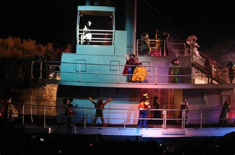 sw boat rides orlando fl fantasmic show cast boat ride picture of disney s