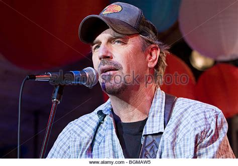 swing vote kevin costner costner swing vote stock photos costner swing vote stock