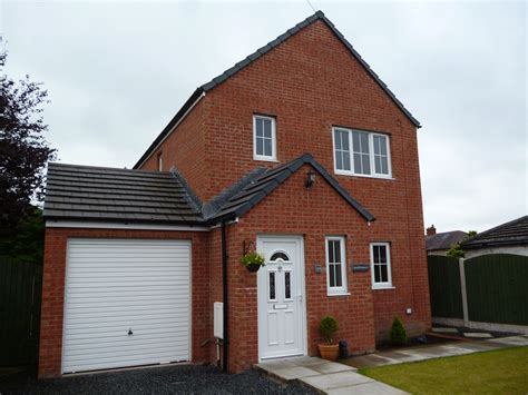 3 bedroom detached house in millholme avenue carlisle ca2