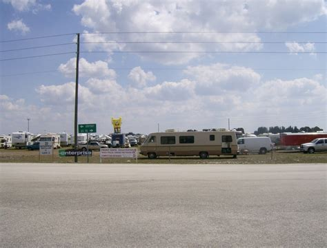 racing tracks in florida sebring fl race track parking is loading up photo picture image florida at city