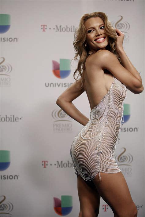 Pics Zuleyka Rivera At Premios Lo Nuestro Univision