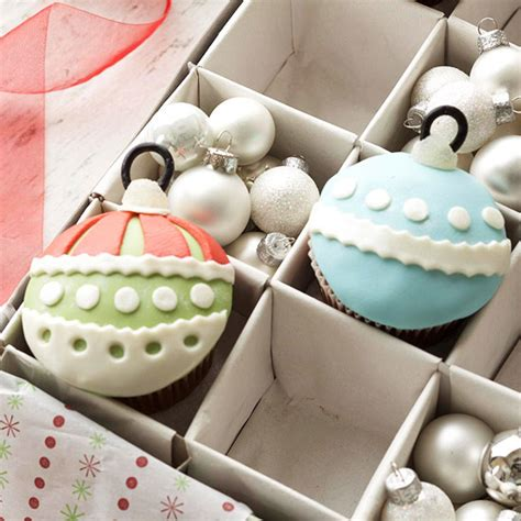christmas ornament cupcakes