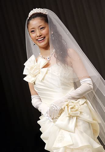 aya ueto smile for ueto aya s fifth wedding dresses collection smile for me