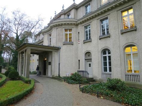 haus wannsee description of the conference picture of haus der
