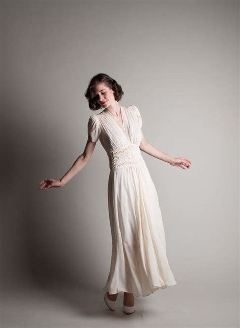 Brautkleider 40er 1940s wedding fashion trends wedding dress inspiration