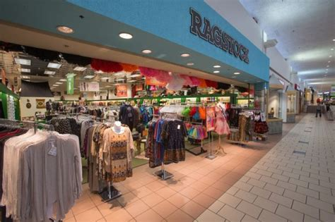 new store opens at gateway mall local journalstar