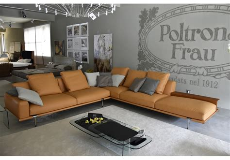 let out couch ex display let it be poltrona frau sofa milia shop
