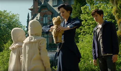 miss peregrine s home for peculiar children trailer is