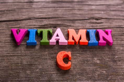 alimenti che contengono la vitamina c alimenti ricchi di vitamina c la lista e i benefici di
