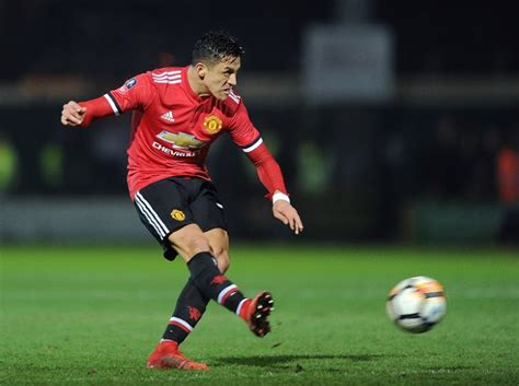 alexis sanchez herrera fiery alexis sanchez can spark man united says ander herrera