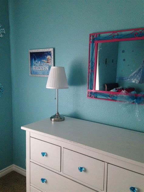 Frozen Dressers by Disney S Frozen Inspired Bedroom S Room