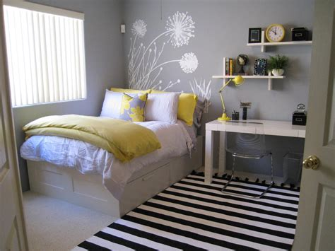 hgtv bedrooms decorating ideas 17 budget headboards bedrooms bedroom decorating ideas