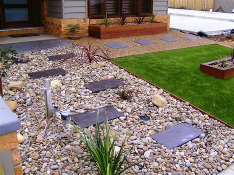 How To Landscape A Yard On A Budget Garden Design Ideas Get Inspired By Photos Of Gardens
