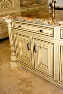 Cream Glazed Kitchen Cabinets by Glazed Cream Cabinets Glazedcabinets Afabulousfinish