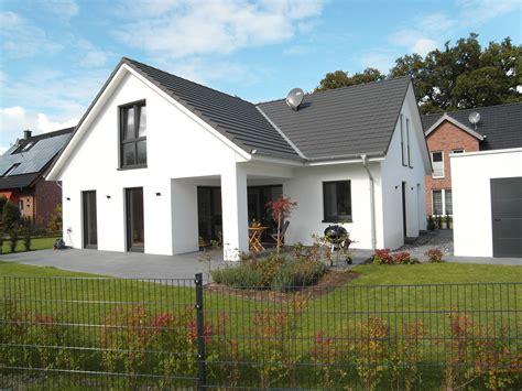 Fassadengestaltung Einfamilienhaus Rotes Dach fassadengestaltung einfamilienhaus rotes dach olegoff