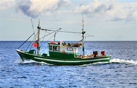 fishing boat photos fishing boat meddic