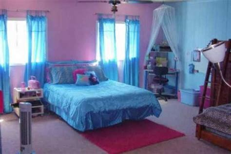 blue and pink girls bedroom girls bedroom ideas blue and pink with white tulle curtains could do half room pink half