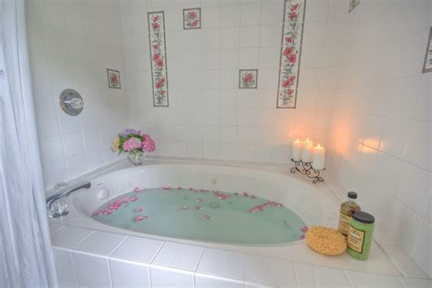 Cottages Near Bath With Tub by Spa Bathtub Oxford Cottage Md Combsberry Inn Bed