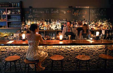 quanto costa arredare un bar come aprire un bar guida completa costi licenze e