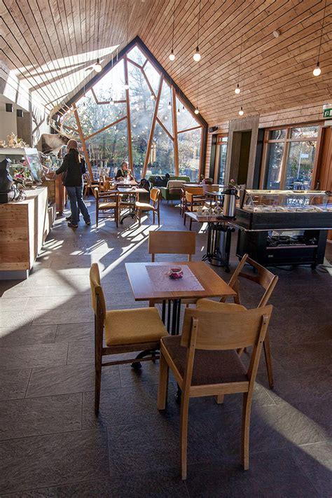 Relaxing Caf 233 In A Botanical Garden Wave Avenue Botanical Garden Cafe