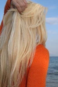 usare la piastra per capelli senza errori specchio e come usare la piastra per i capelli mondobenessereblog