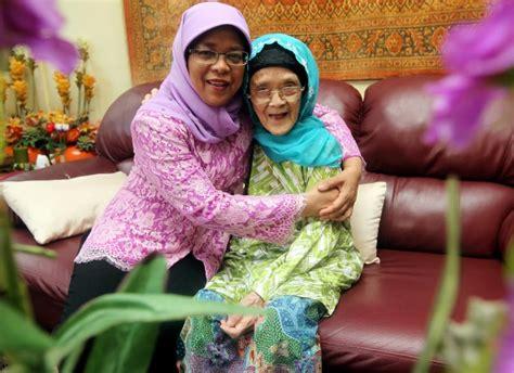 biography of halimah yacob halimah yacob set to be singapore s first female president
