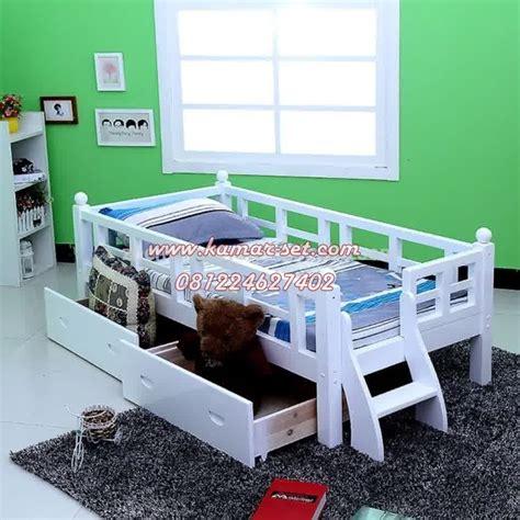 Kasur Matras Anak Balita harga tempat tidur anak berpagar ranjang balita murah terbaru kamar set