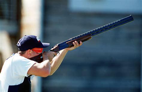 shooting on clay pigeon shooting