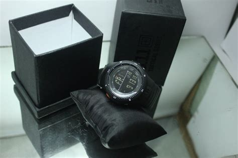 Tactical 5 11 Series Hitam jam tangan 5 11 tactical field ops hitam jam