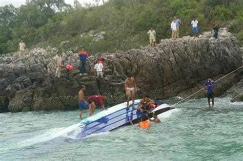 thailand news boat crash thailand speedboat crash two dead and five missing