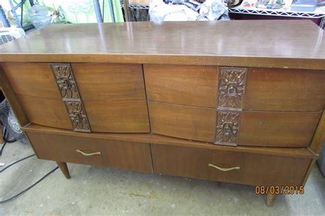 Bassett Furniture Vintage Dresser by Vintage Bassett Dresser 6 Drawer Dresser Mid Century