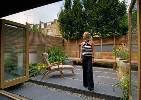 urban backyard london yard 7 grassless gardens for modern urban homes