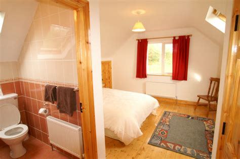 what is en suite bedroom self catering at harvey s point friary brae cottage