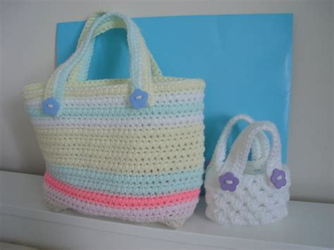 tote bag pattern easy two tote bags with no stretch handles easy crochet pattern pdf