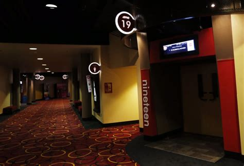 tulsa movie theaters with recliners amc southroads 20 renovations are complete tulsa world