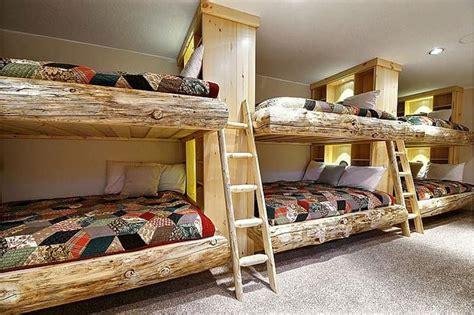 amici di letto intero 15 letti a in legno dal design particolare