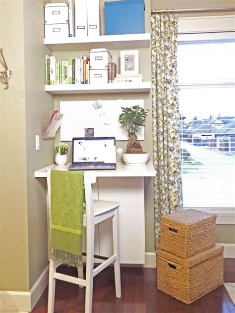 Small Desk Area Ideas 25 Best Ideas About Small Corner Desk On Desk Nook Bedroom Study Area And White