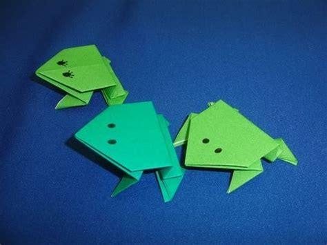 Jumping Origami - three origami jumping frog 2016