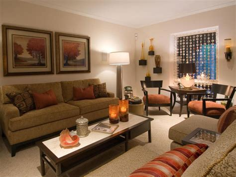 decorating with family photos family room decor ideas great family room decorating