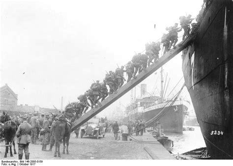 Sergeant Stubby Summary File Bundesarchiv Bild 146 2005 0159 Besetzung Der Insel Oesel Truppeneinschiffung Jpg