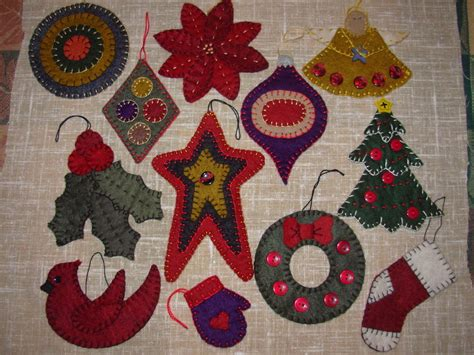 x 05 penny rug christmas ornaments pattern 12 wool felt