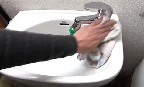 lavamanos con sarro youtube c 243 mo quitar el sarro de la llave del lavamanos recursos