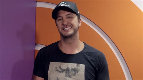 luke bryan questions hunting or fishing luke bryan plays would you rather