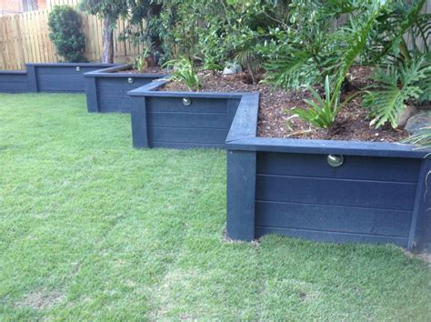 Garden Wall Paint Painted Retaining Wall Backyard Hopes And Dreams