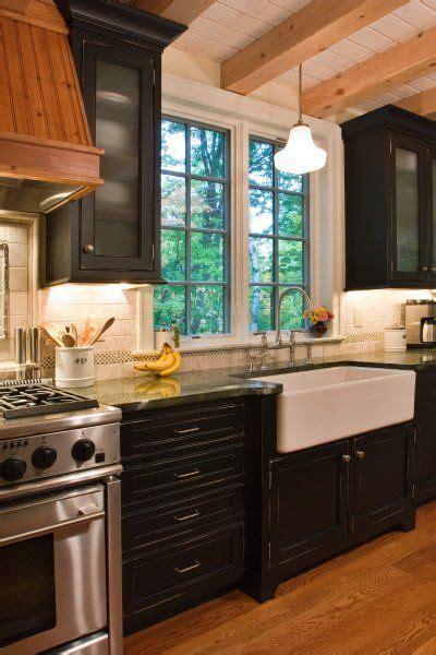 alacena de zinc muebles de cocina oscuros y zinc blanco cocina alacena