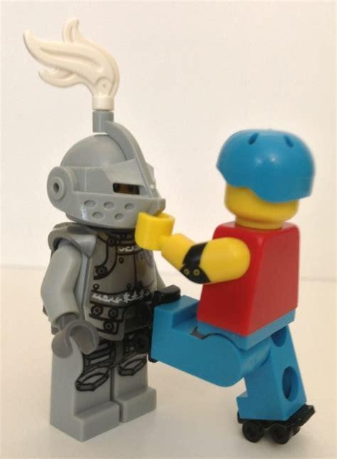 Lego Minifigure Seri 9 Heroic 2013 lego minifigures series 9 heroic review