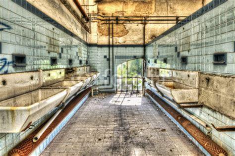 mat駻iel de cuisine collective configurar fotomural quot lavabos abandonado en el cuarto de