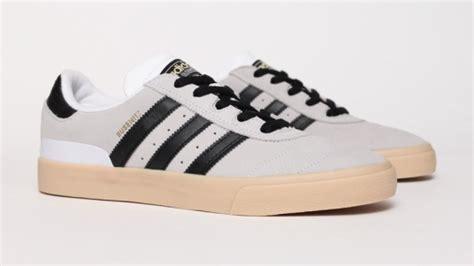 Sandal Sepatu Wedges Am16 Ee r698 flag beige gris sneakers adidas and adidas sneakers