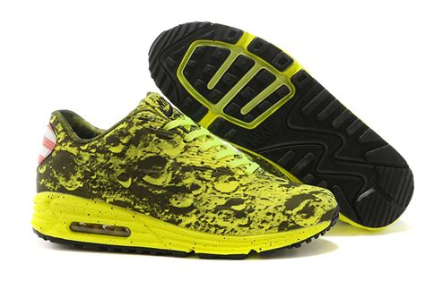 Nike Airmax Lunar 008 nike air max lunar 90 sp moon landing 700098 008 yellow