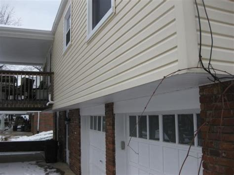 house overhang vented soffits in house overhang doityourself com community forums